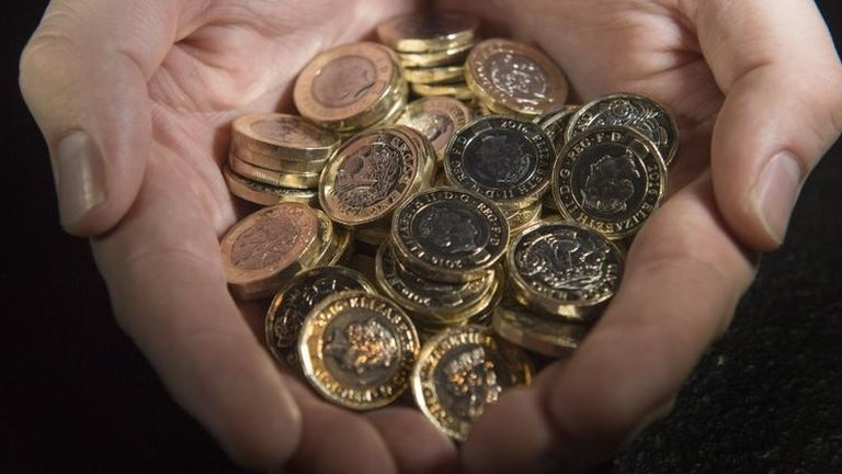 Royal Mint admits faulty £1 coins are in circulation