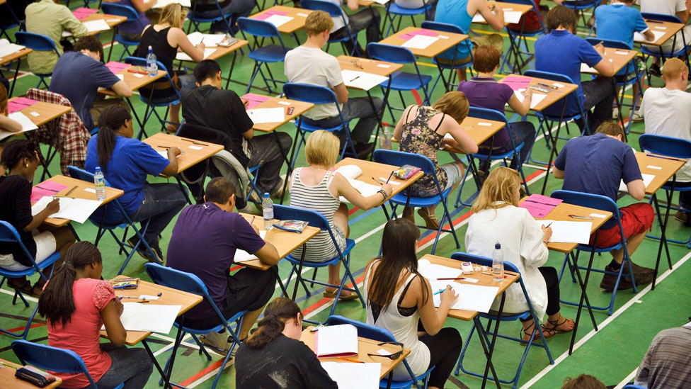 GCSE pass levels causing confusion over university entry
