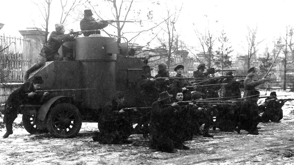Artillería pesada en pleno Moscú.