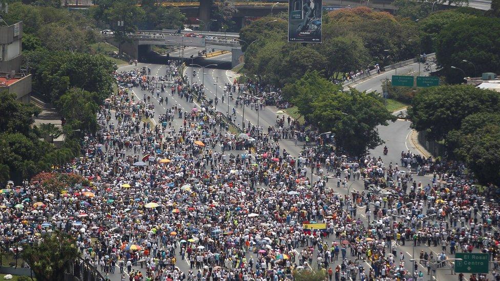 Toma aérea del plantón en Venezuela.