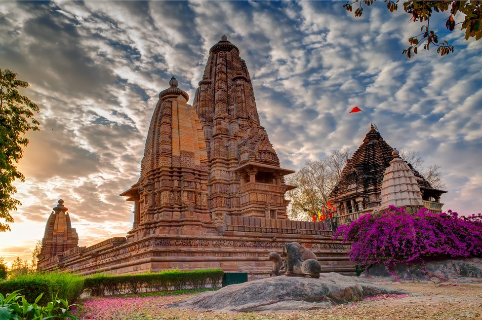 Vista general de los templos de Khajuraho.