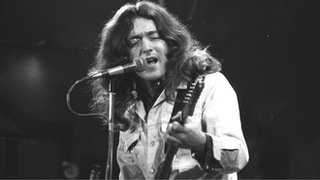 BBC News - Rory Gallagher: Tributes to an Irish rock legend
