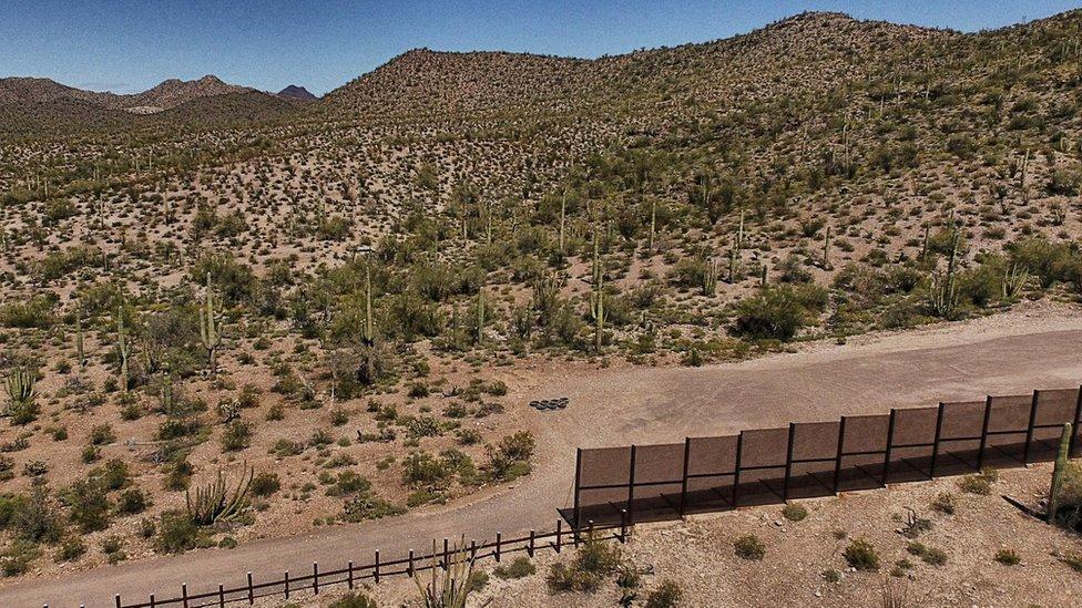 美墨邊界長城「轉彎」了?川普延後向國會要錢 推文堅稱「一定會蓋牆」