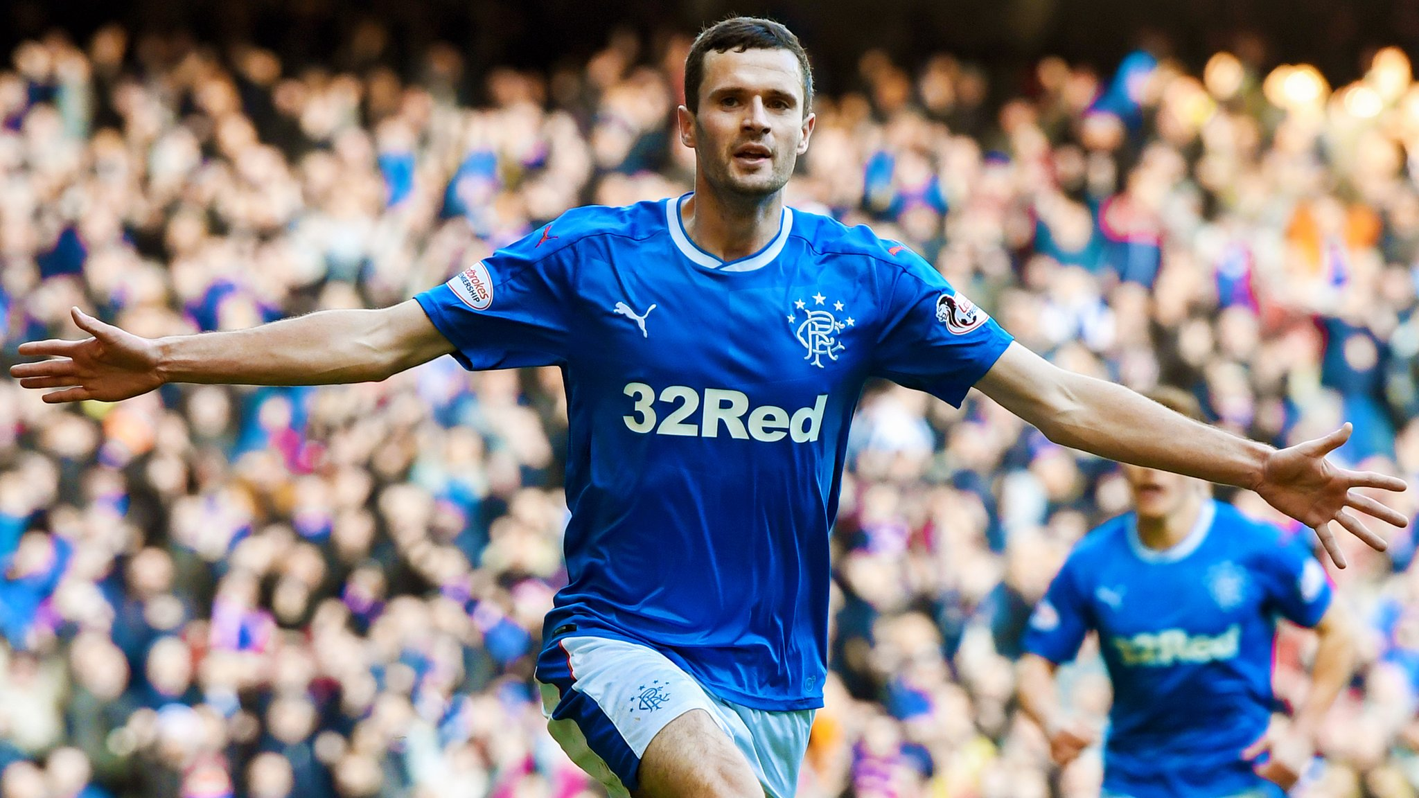 Rangers narrow gap on Celtic with win over Hearts