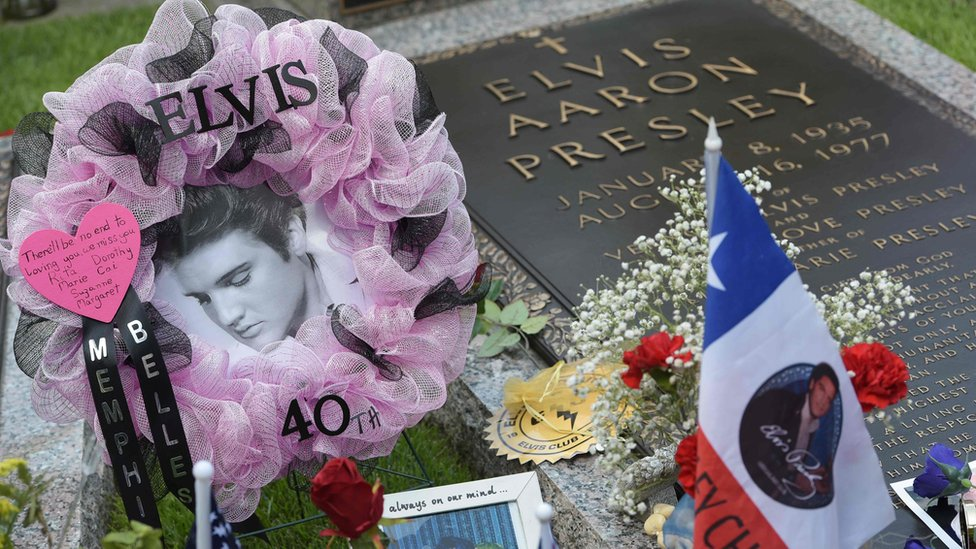 Cuarenta años después de su muerte, Elvis Presely es recordado por todos sus fans.