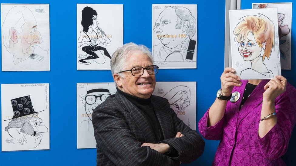 BBC News - Pop star portraits go on display in Dundee