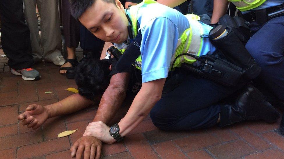 Enfrentamientos entre la policía y los manifestantes pro democracia. 1 de julio de 2017
