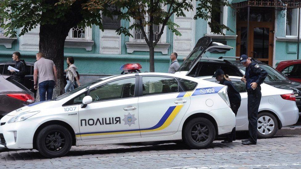 У Києві вибухнув позашляховик