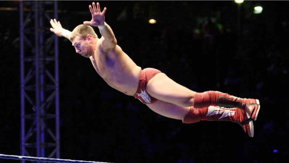 Wrestling bids to boost interest in China
