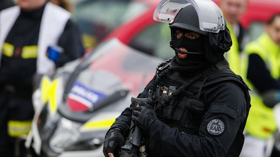 جندي فرنسي من قوات مكافحة الإرهاب