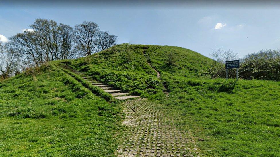 Cambridge Castle Mound: Campaigners' new bid to 'ensure public access'