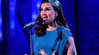 BBC - Newsbeat - Idina Menzel says sorry for her 'thoughtless' slit wrist comment about a song