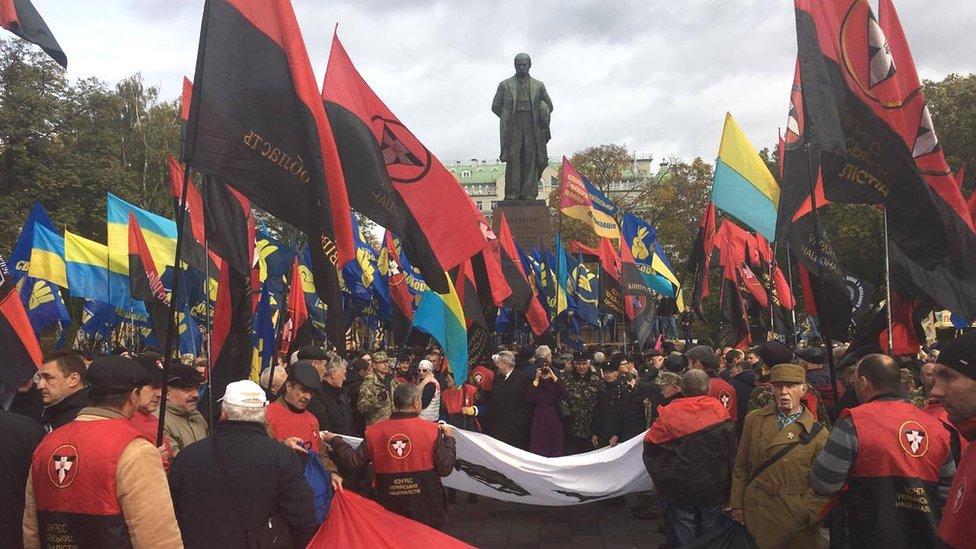 У Києві проходить марш правих сил до Дня захисника та річниці УПА