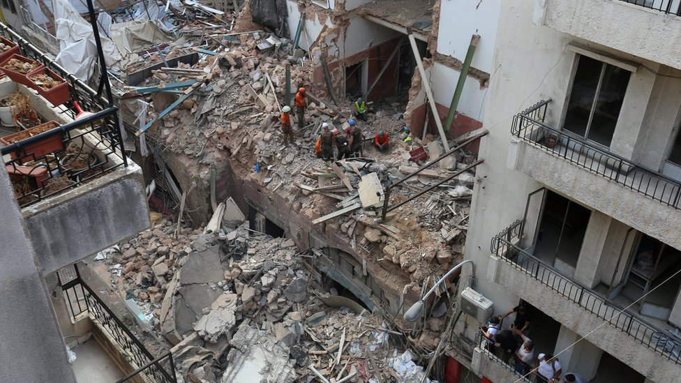 Beirut explosion: 'No signs of life' in search for blast survivors thumbnail