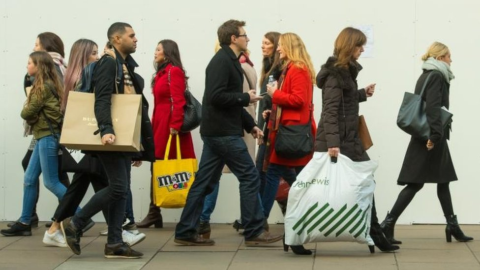 UK economy grows by 0.3% as service sector slows
