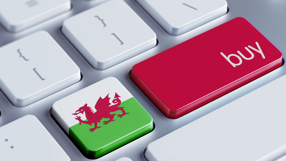 Public bodies in Wales urged to 'think local'