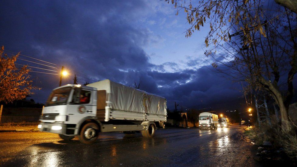 Red Crescent aid convoy enters Madaya, Syria (14 January)