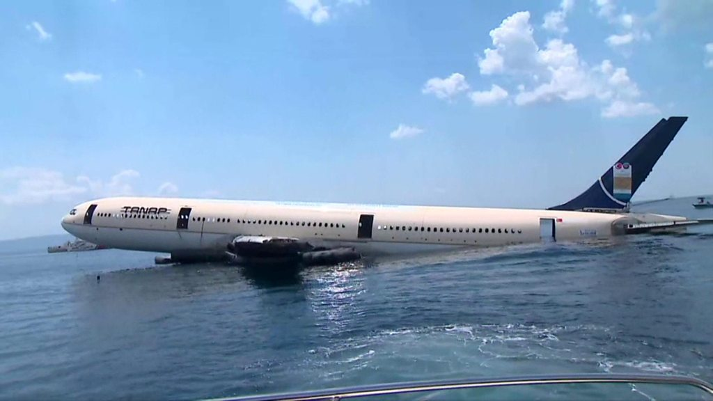 Turkish Airbus plane sunk for diving tourism