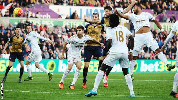 arsenal beats swansea 3 - 0