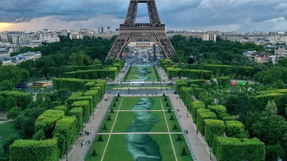 Beyond Walls: Huge biodegradable artwork graces Paris park