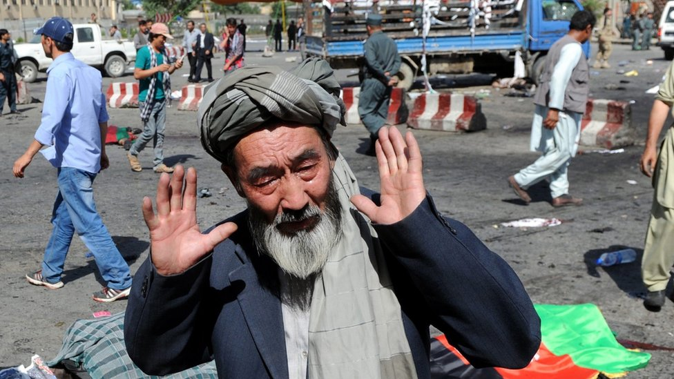Kabul explosion: Islamic State 'admits attack on Hazara protest'