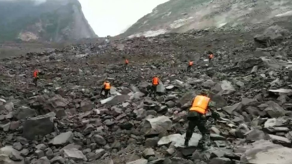 China landslide leaves 100 missing in Sichuan