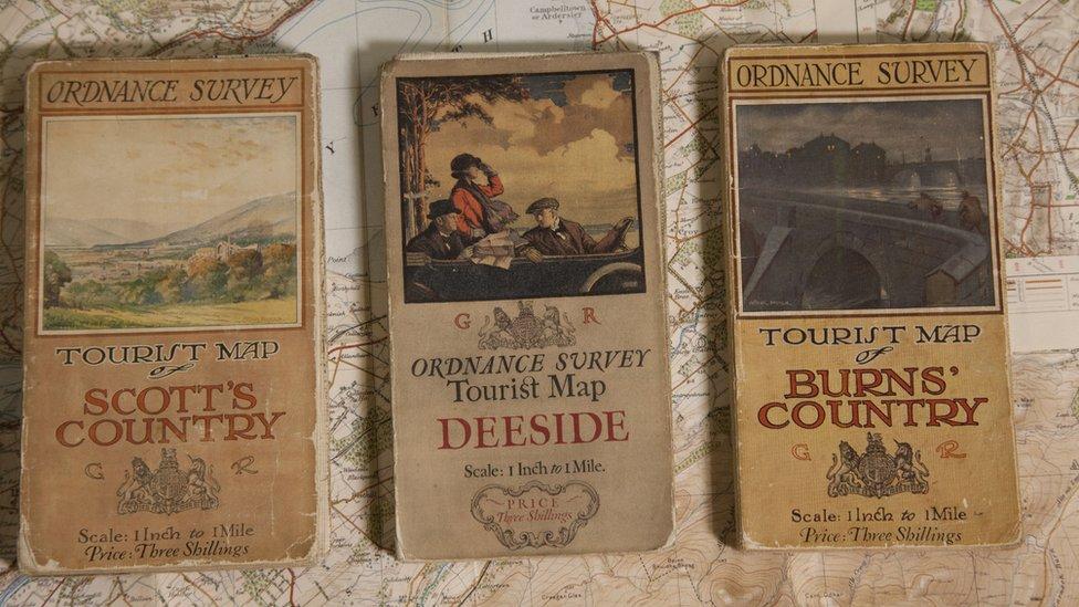 Con estos mapas trabajaban los cartógrafos en 1920.