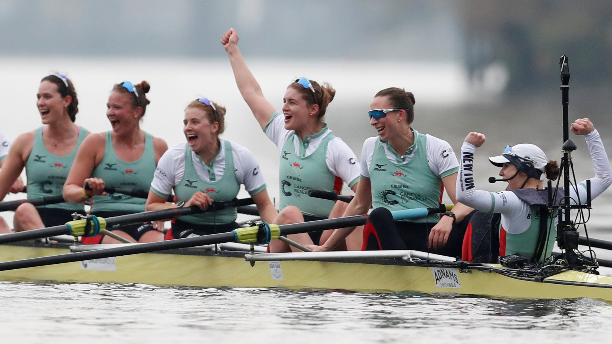 Women's Boat Race 2018: Cambridge enjoy convincing victory over Oxford