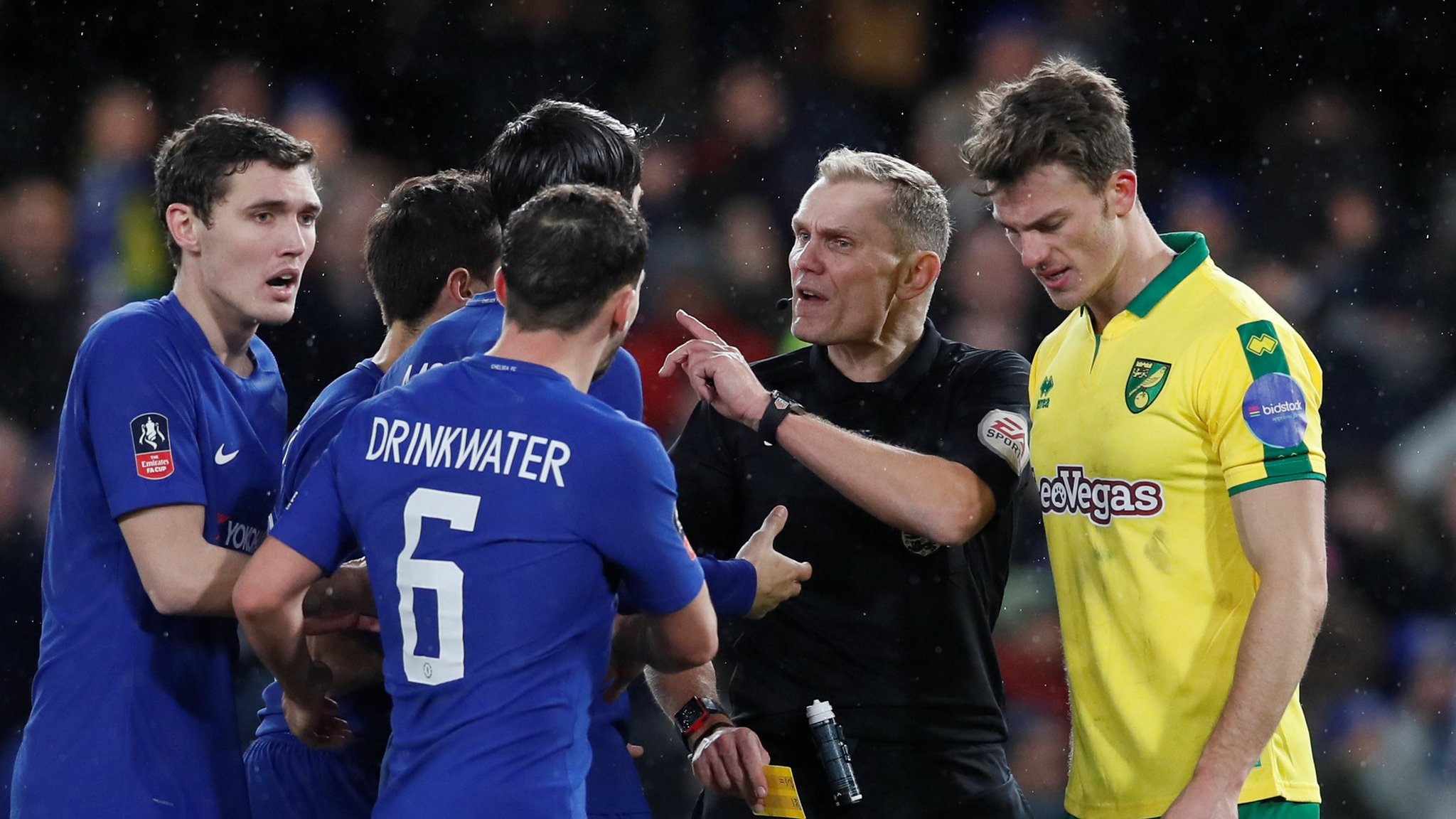 'Ref should have been told to watch video' - Conte on penalty controversy, plus VAR vote