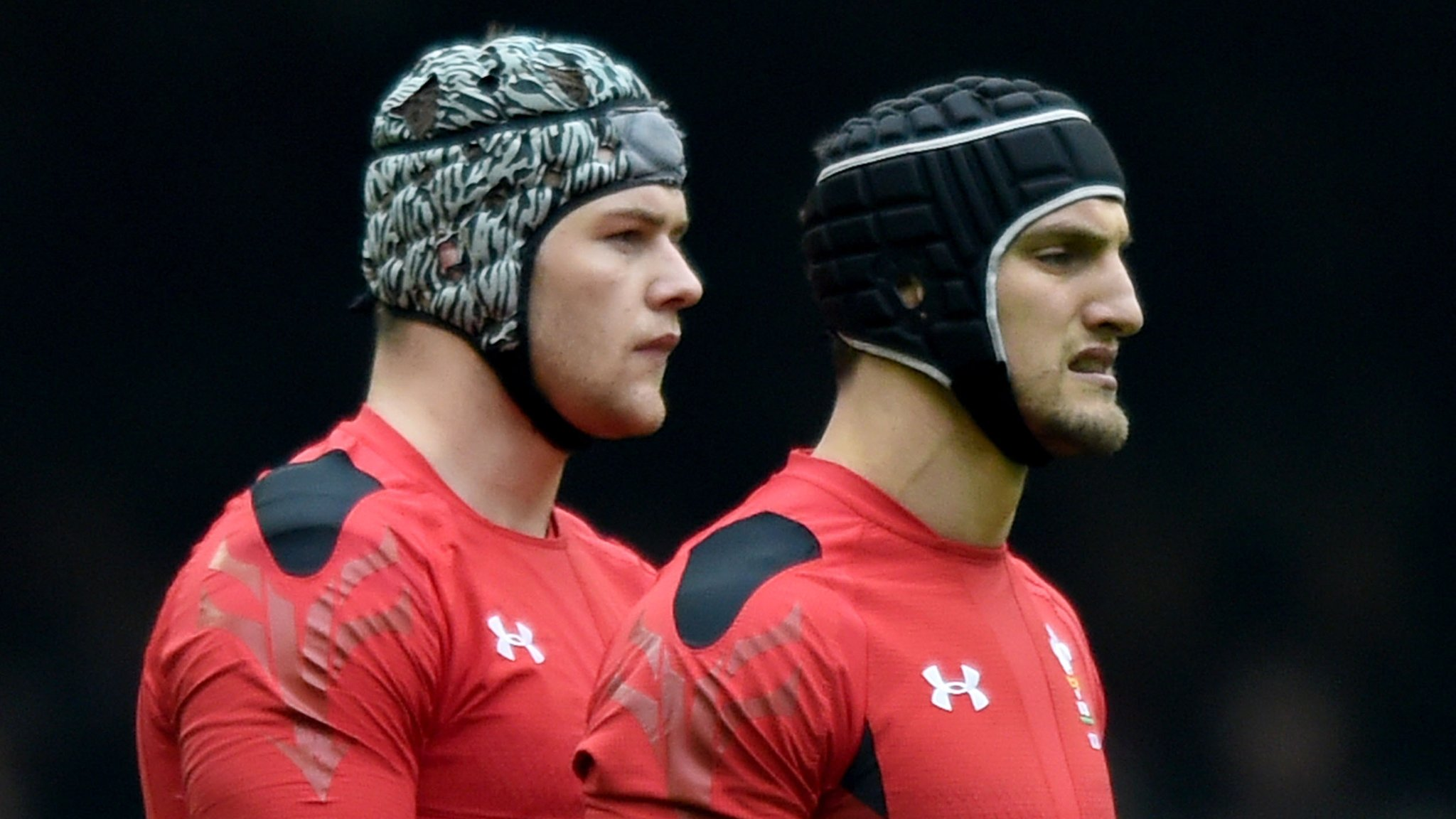 Captain Warburton among four Wales players to sign new dual contracts
