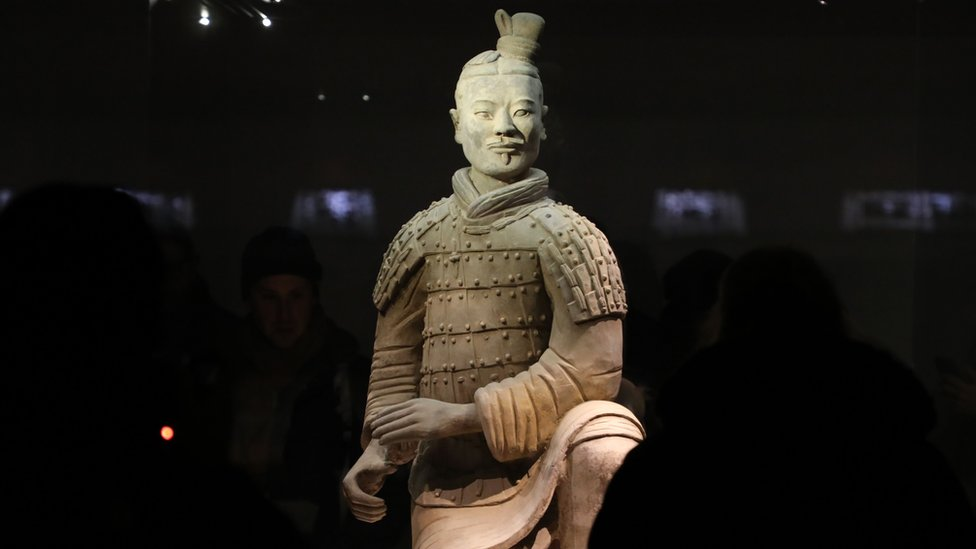 Terracotta theft: Chinese anger over stolen warrior thumb