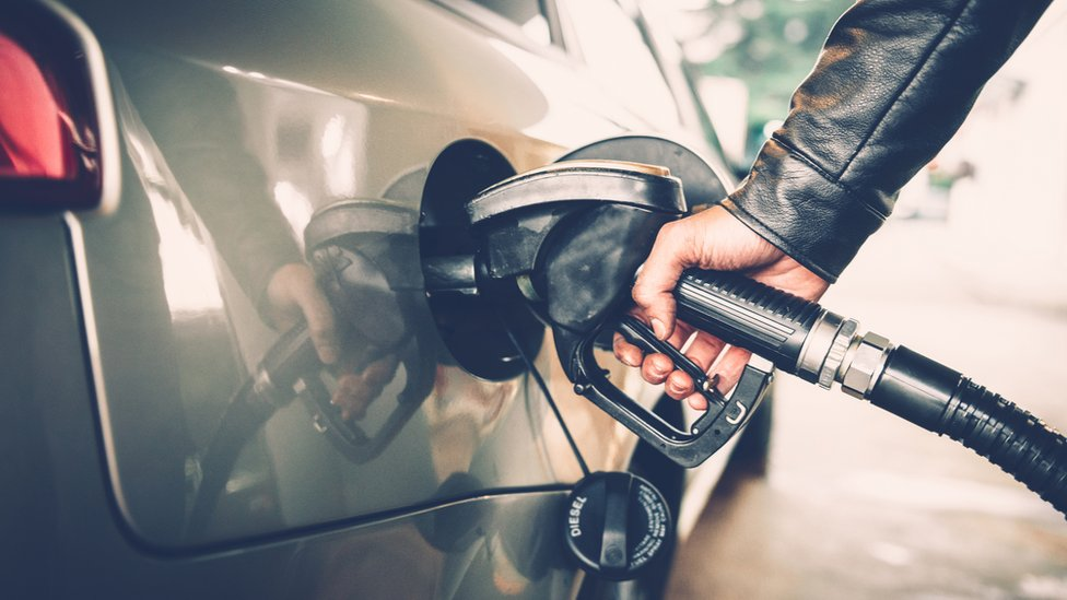 Las ventas de carros con motor de gasolina superaron a las de motor diésel en Europa por primera vez desde 2009.
