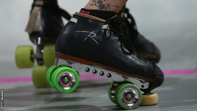 how to turn around on roller skates