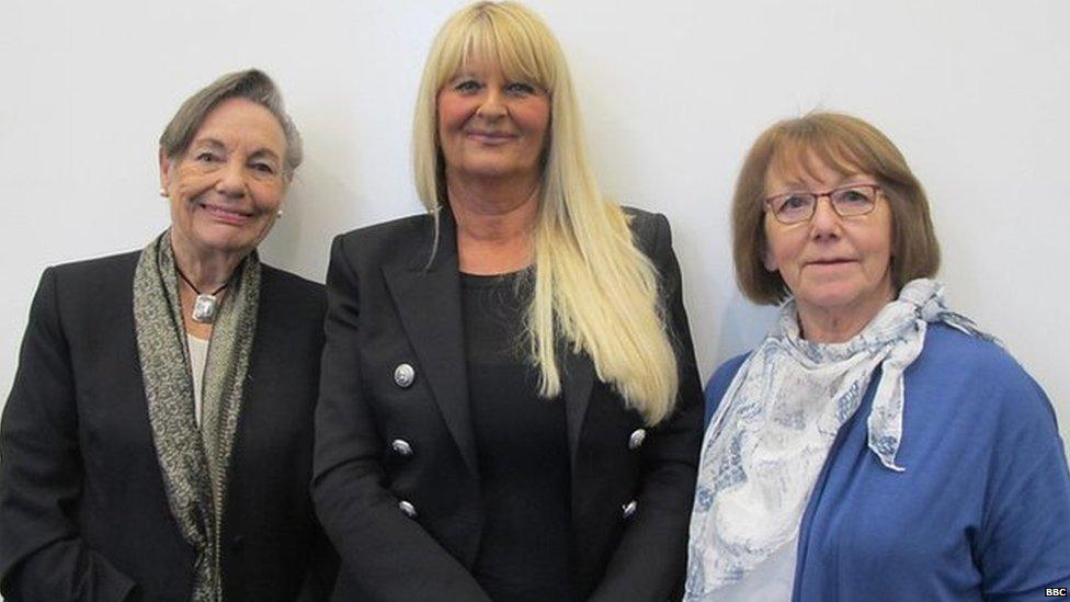 Joyce, Shirley y Dee