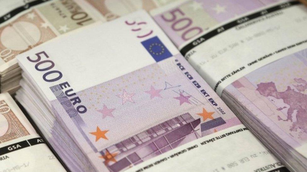 ¿Cómo deberían distribuirse los impuestos que pagan las multinacionales?
