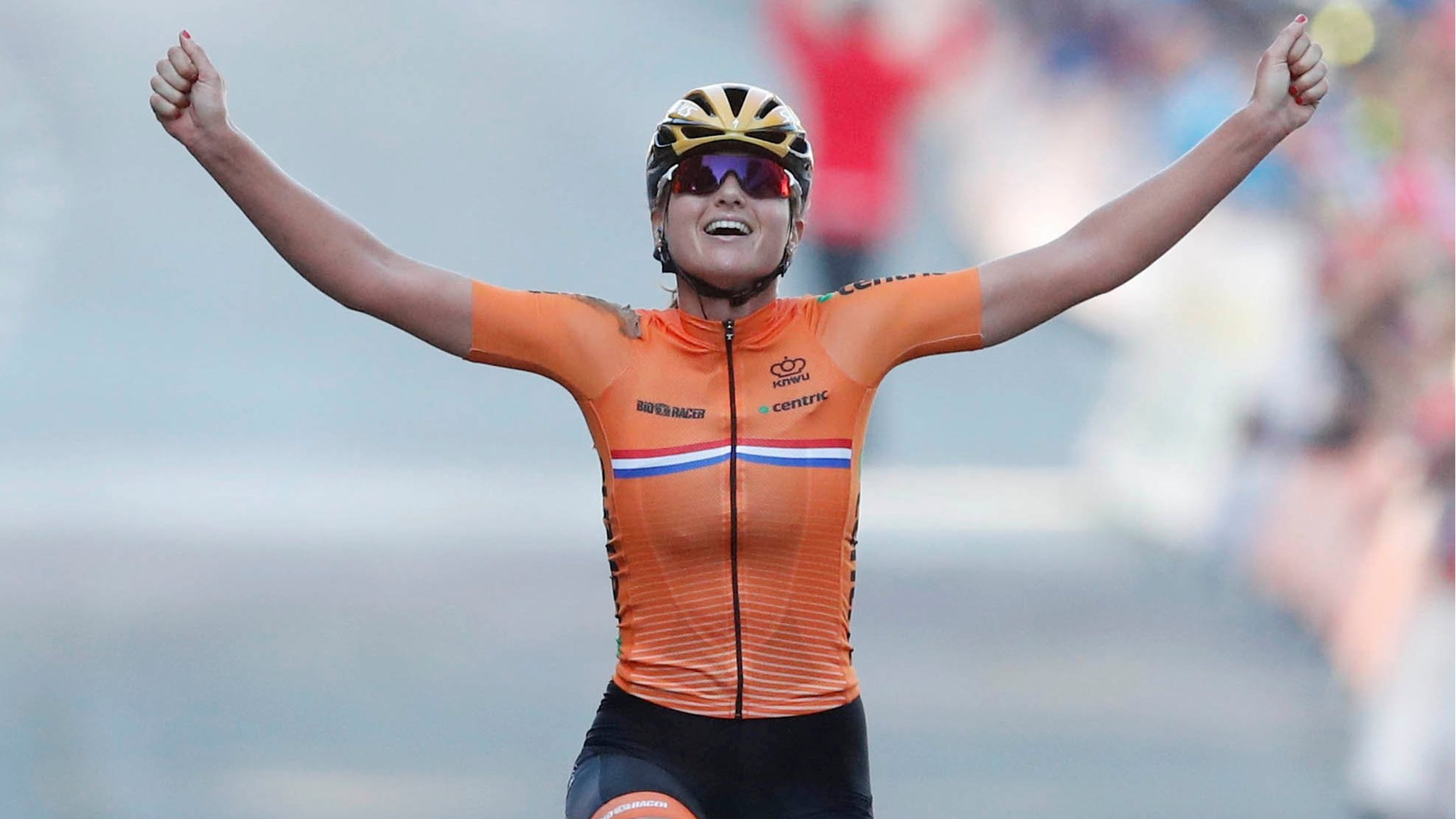 Road World Championships: Chantal Blaak wins women's road race in Norway
