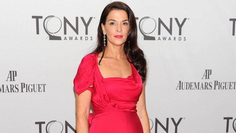 """Annabella Sciorra, estrella de """"Los Sopranos"""", es una de las mujeres que ha acusado a Weinstein de violación. Denunció que ocurrió en 1992."""