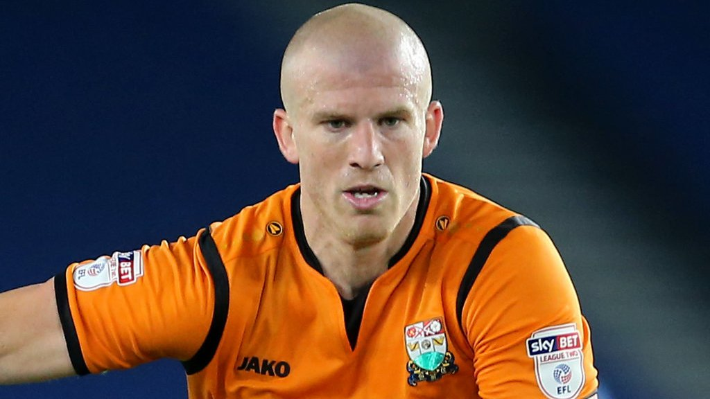 Charlie Clough: Sutton United re-sign former Barnet defender | BBC