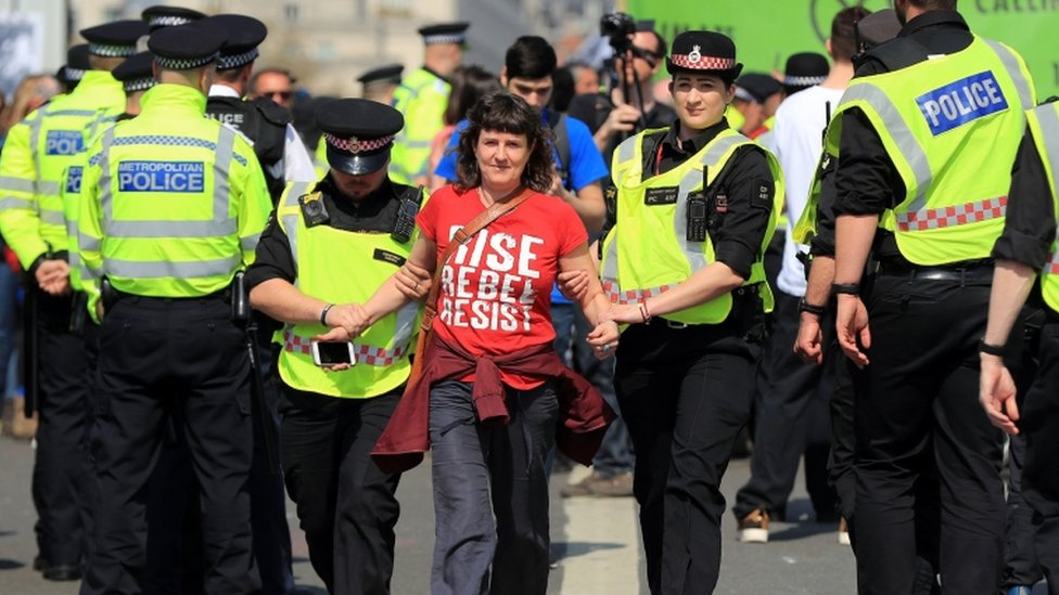 Extinction Rebellion 'offer to pause protests'