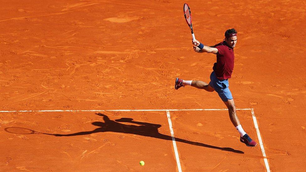El tenista Roger Federer en la cancha