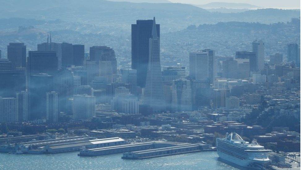 El Servicio Nacional del Tiempo emitió una alerta para la zona de San Francisco, donde el humo comenzó a llegar este miércoles.