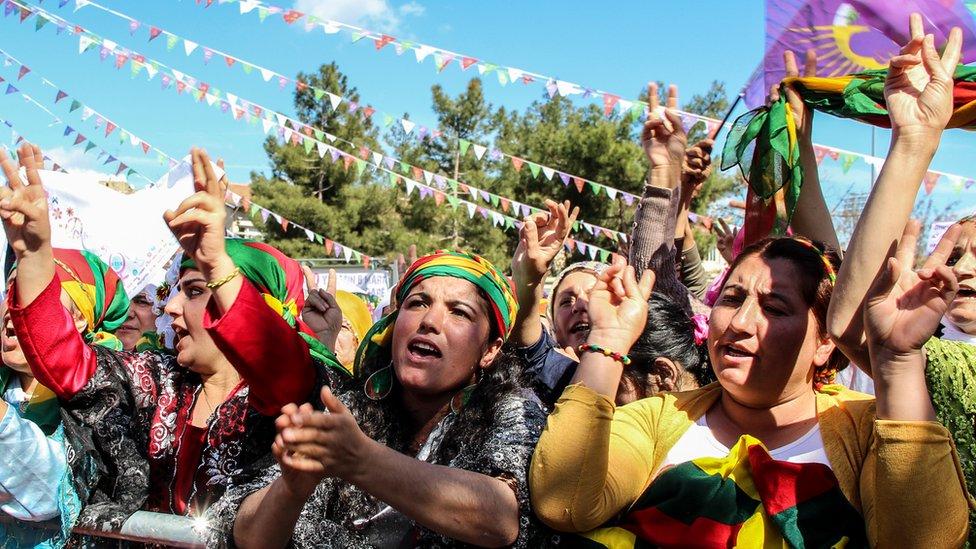 مظاهرة يوم المرأة العالمي في ديار بكر ، تركيا في عام 2016