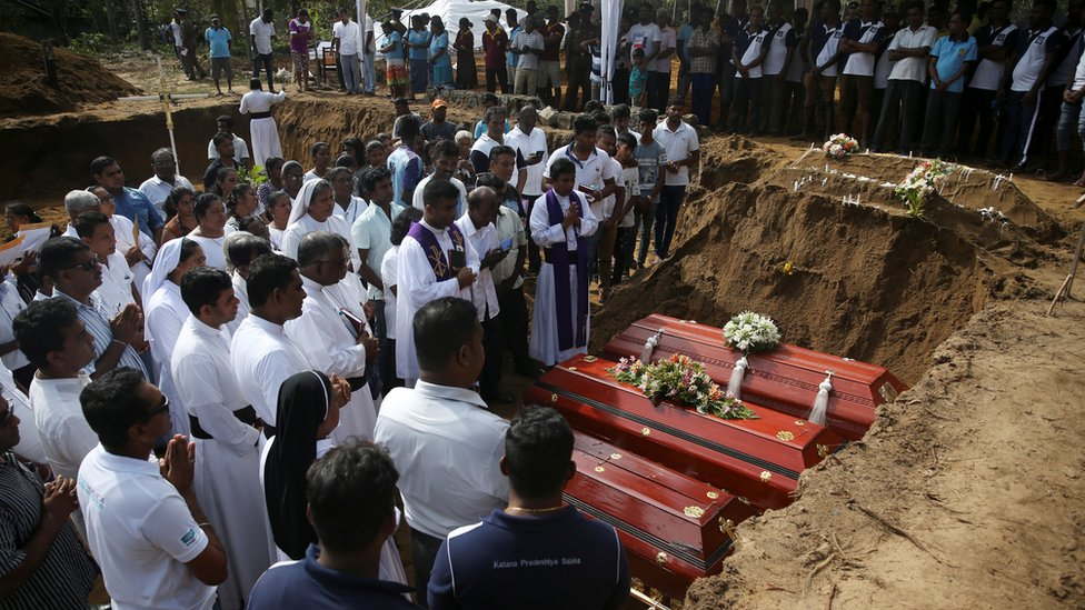 Sri Lanka attacks: Mass funerals on day of mourning