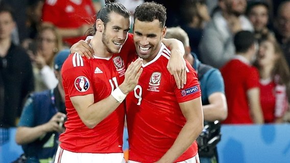 Brilliant Wales reach Euro 2016 semis