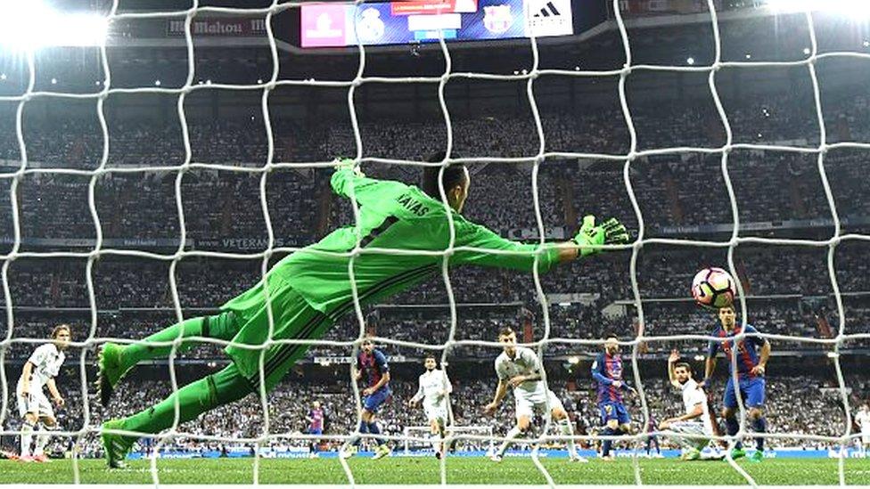 Messi marque son 500ème but face au Real