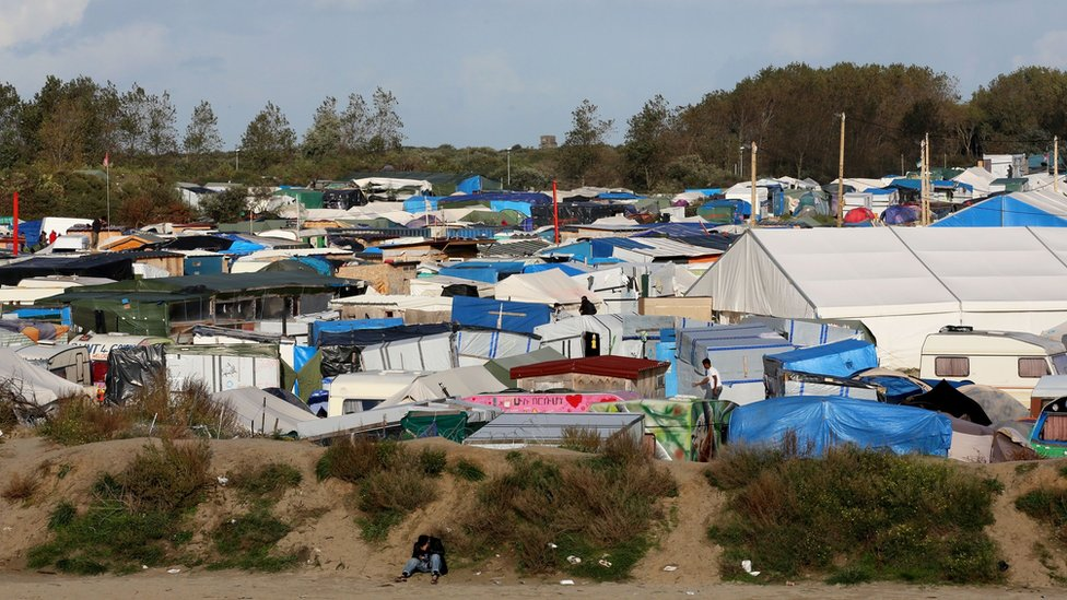 Calais migrants: 'Jungle' closure to start on Monday, France says