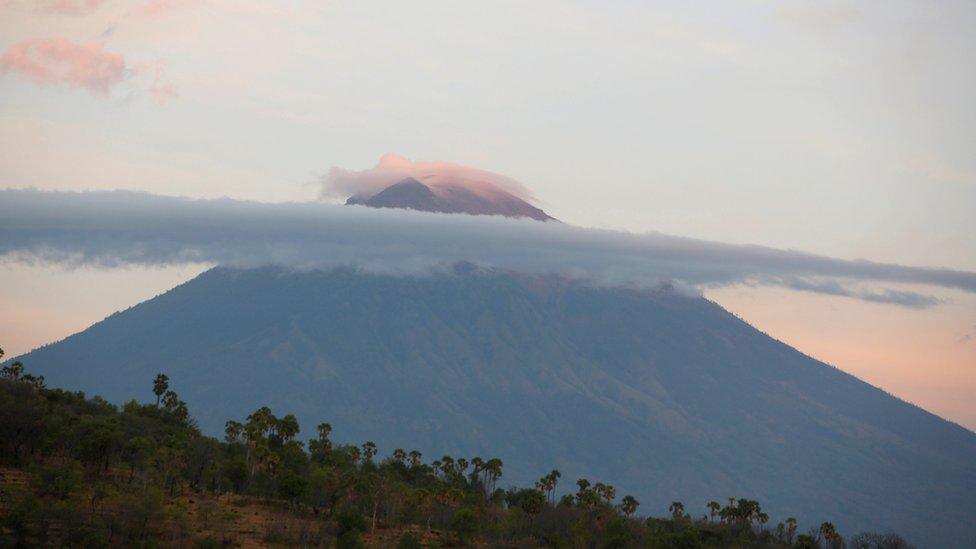 Bali volcano: Indonesia fears imminent Mt Agung eruption