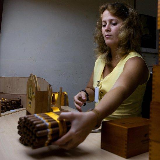 Las remesas equivalen a 70% de los ingresos que Cuba recibe por sus exportaciones.