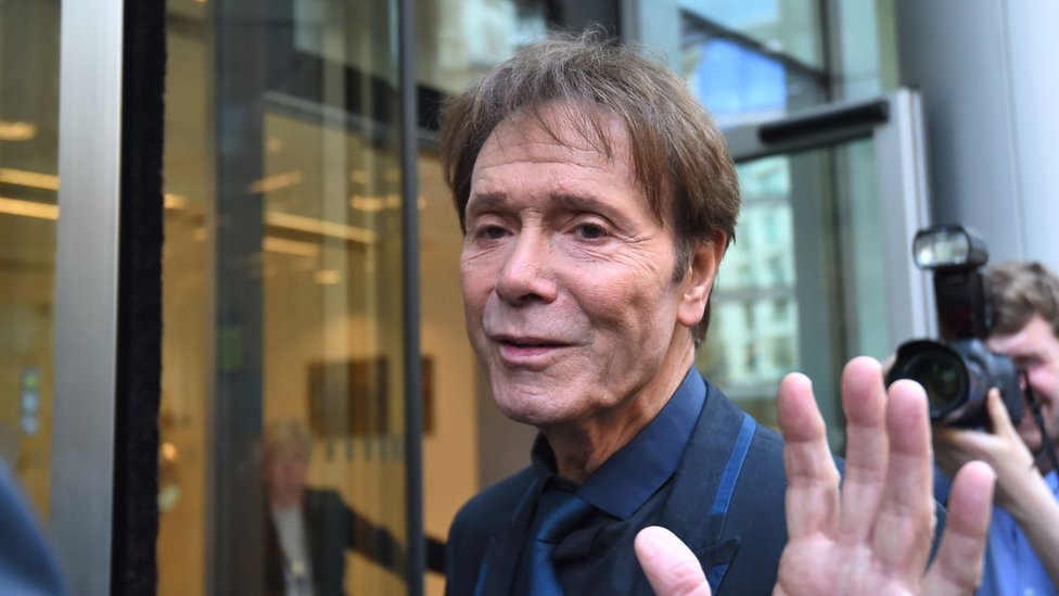 Cliff Richard privacy case: Bosses made decisions, says BBC reporter