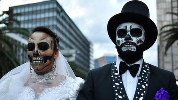 Hamilton & Rosbergs deadly decider in Mexico